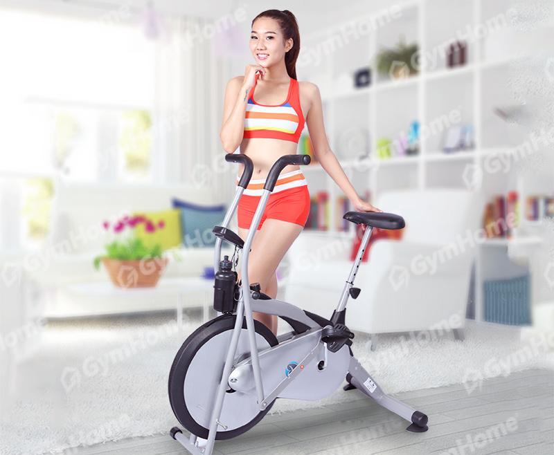 Xe đạp tập thể dục iBike8.2i dễ dàng để gọn trong mọi không gian sống